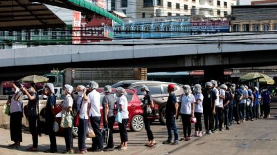 Covid-19: Thailand tests thousands after virus outbreak in seafood market
