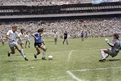 Adiós a Diego Armando Maradona: el día que se nos murió un poco el fútbol