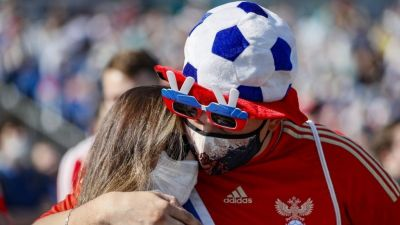 Alarming Covid surge cools Russia's football fever