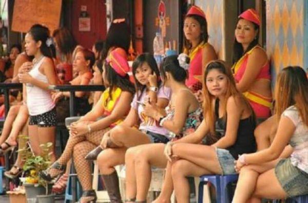 (IJCH) Warped Memories of Thailand