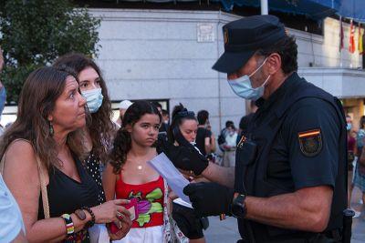 La concentración pacífica anti coronaTUFO de Madrid termina con un detenido