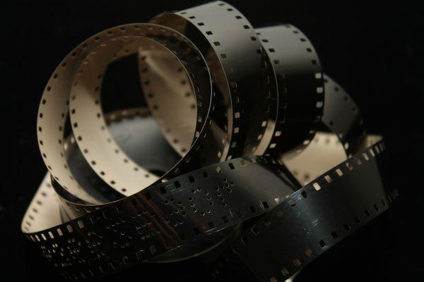 El cine de Haneke: un guiño a Adorno y Baudrillard / Haneke's cinema: a gaze into Adorno and Baudrillard