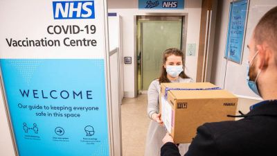 Covid-19: High Street chemists start vaccinations in England