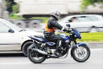DIEZ COSAS QUE NO DEBES HACER CUANDO CONDUCES MOTOCICLETA